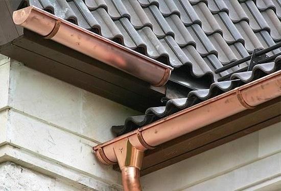 система слива дождевой воды с крыши