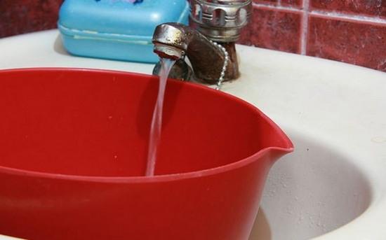 прочистка унитаза горячей водой