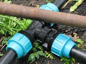 пластиковые трубы для полива на даче