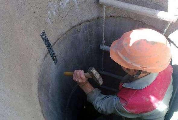 как отремонтировать колодец из бетонных колец