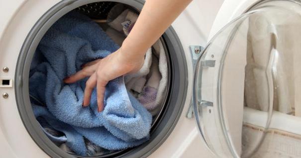 неприятный запах из стиральной машины что делать