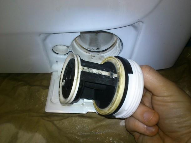 как удалить неприятный запах из стиральной машины