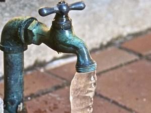 как разморозить трубы водопровода в частном доме