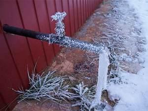 замерзла вода в трубе под землей что делать